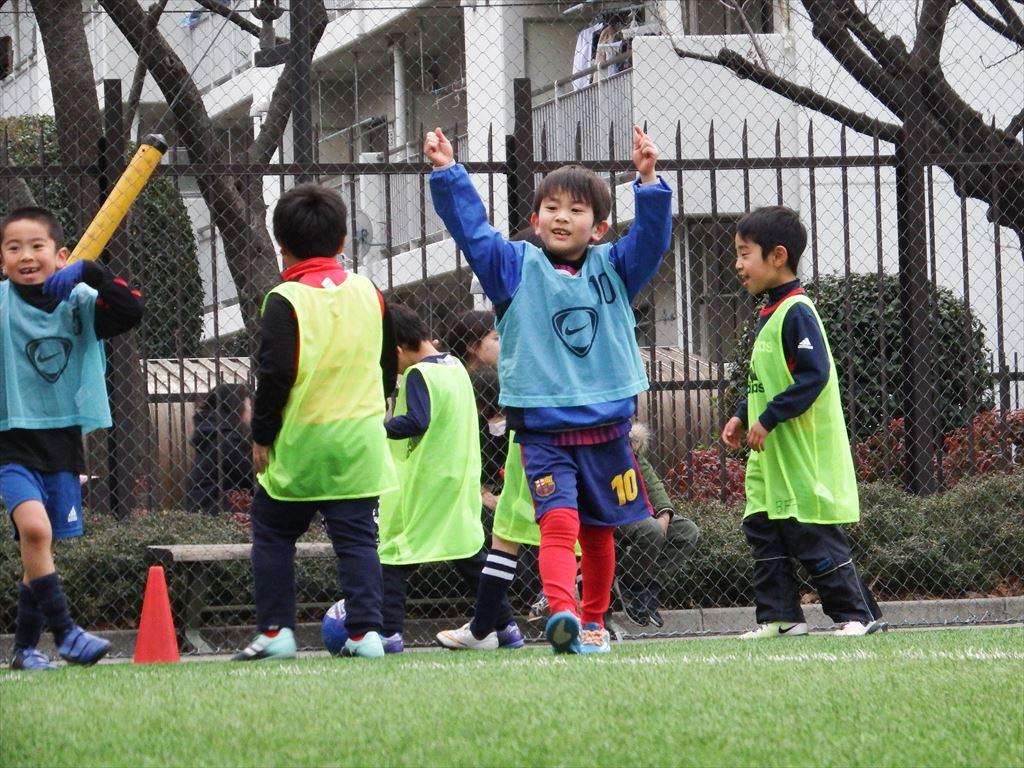 近隣に新しいサッカーチームができるようです。期待を込めて・・・