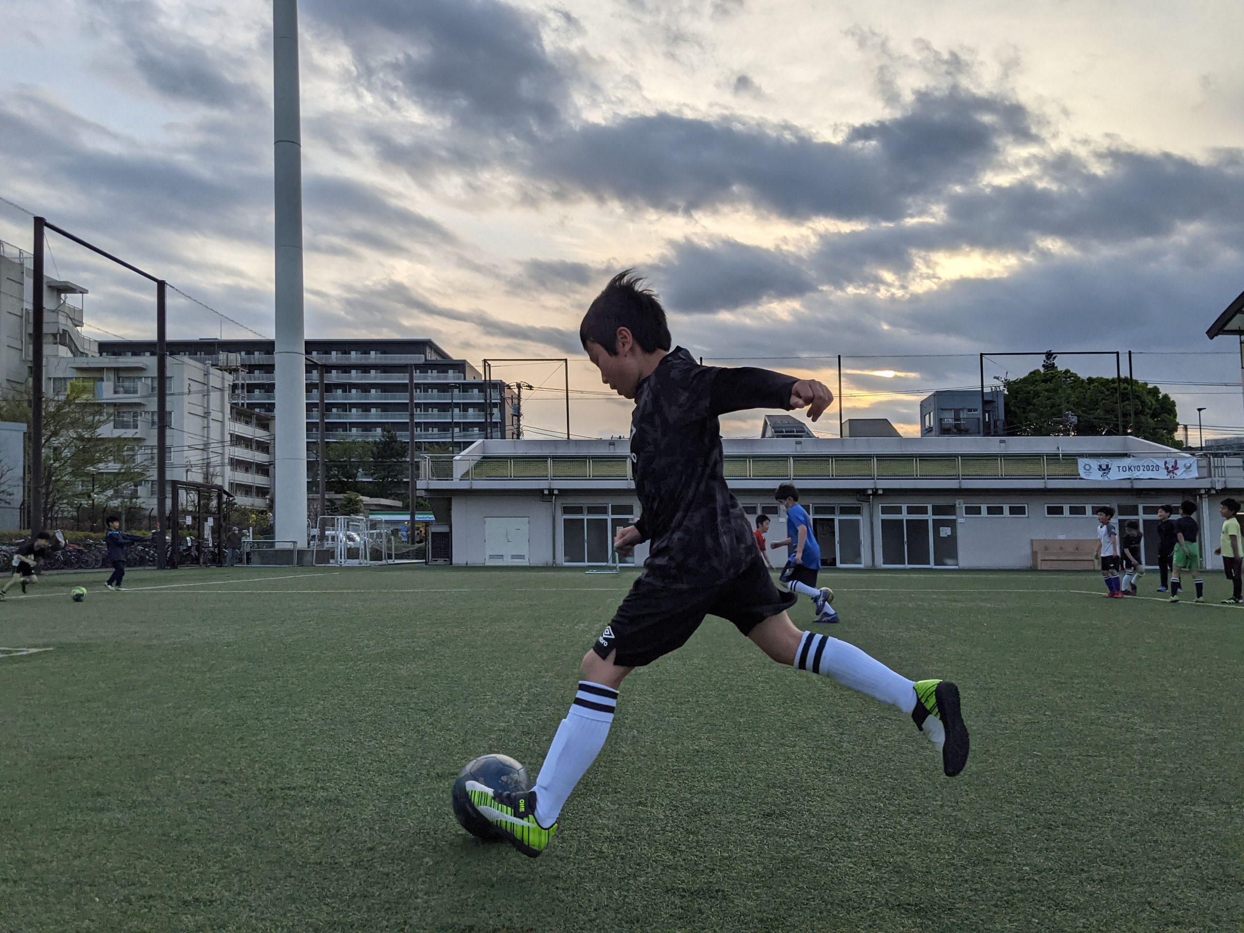 新年度の練習は体作りから 中学年、高学年クラスの練習風景